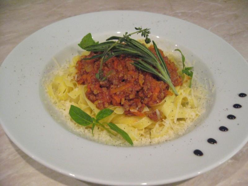 Спагетти с соусом болоньезе Fiesta