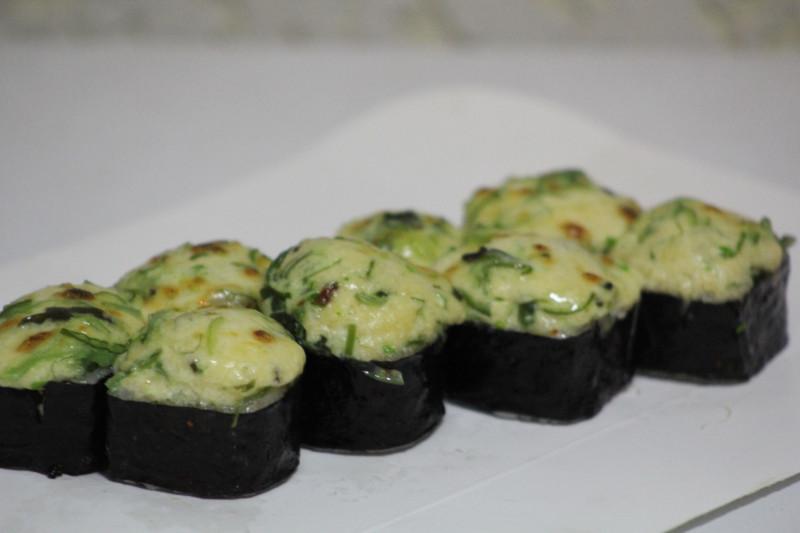 Запеченый с лососем Sushi-Ushi