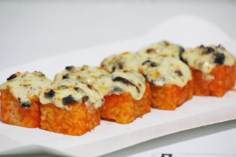 Запеченый с угрем Sushi-Ushi