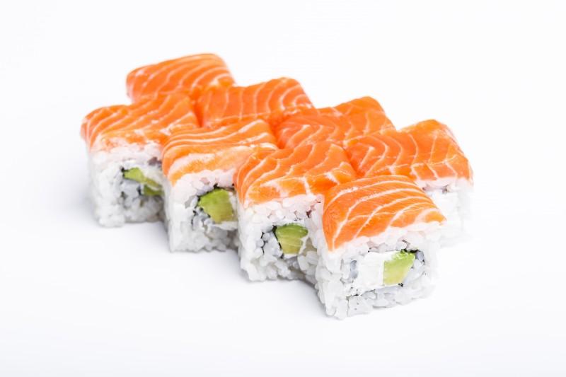Филадельфия с лососем и авокадо - Sushi-Ushi