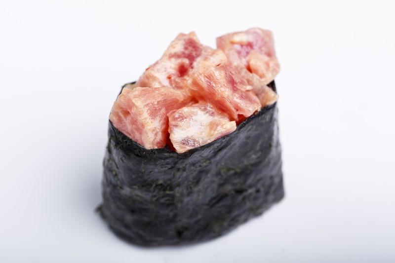 Гункан с тунцом Sushi-Ushi