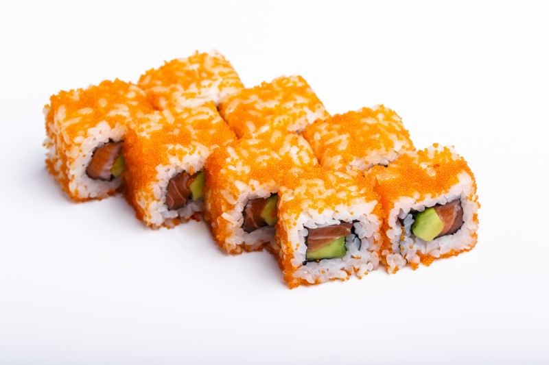 Калифорния с лососем в икре Sushi-Ushi