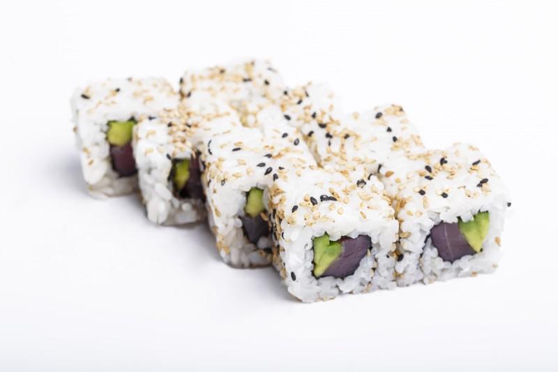 Калифорния с тунцом в кунжуте Sushi-Ushi