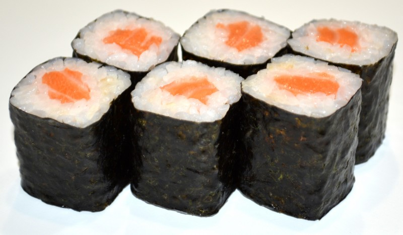 Ролл с лососем Sushi-Ushi