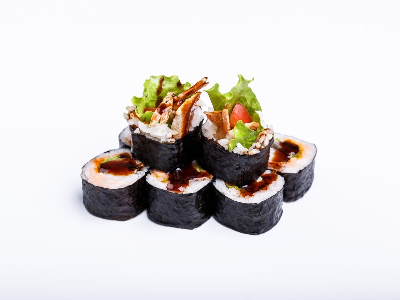 Ролл с тигр креветкой в кляре и угрем Sushi-Ushi